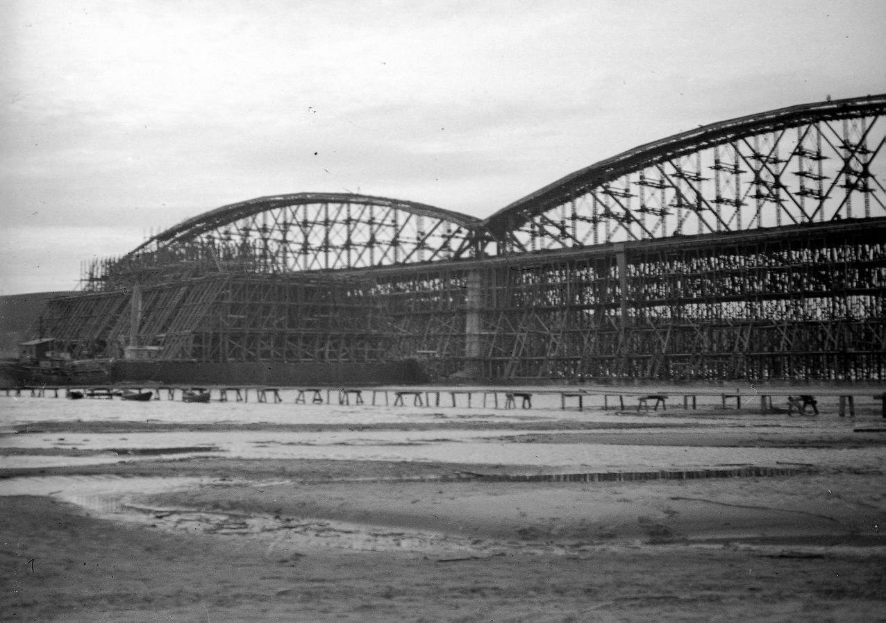 Возведение аркады моста