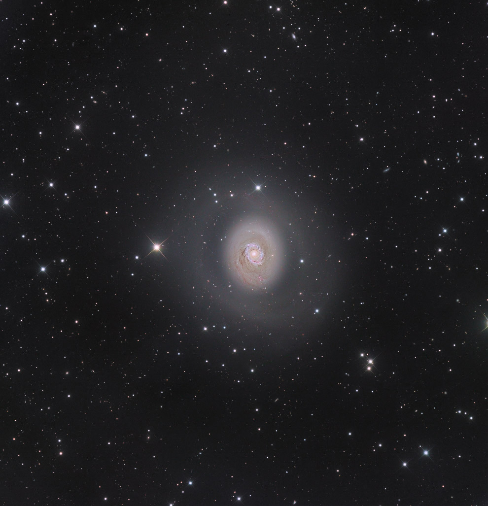 17. Претендент в категории «Галактики». Малое Магелланово Облако. (Фото Ignacio Diaz Bobillo):