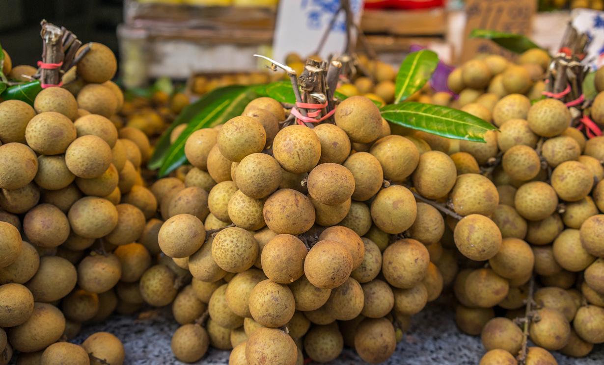 Лонган. Мякоть плода имеет специфический сладкий вкус, с отчётливым оттенком мускуса. (Qwan718)