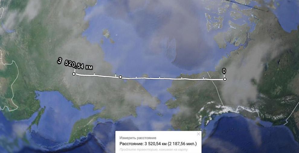Практически на прямой оказался якутский поселок Усть-Нера, с такими же точно дорогами, только б
