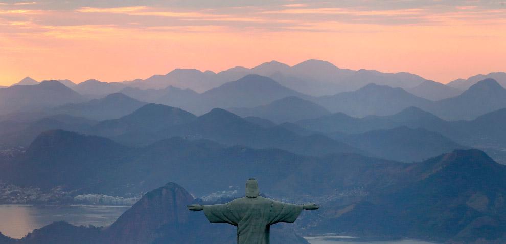 8. По ряду технологических причин создать такую огромную статую в Бразилии было тогда невозможн
