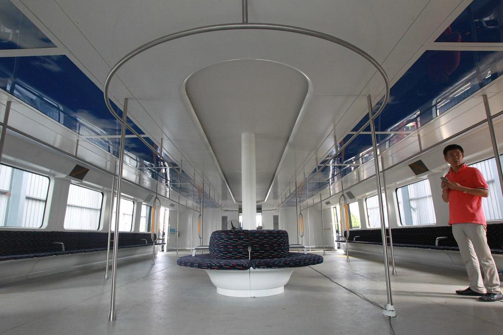 5. Благодаря способности соединяться в связку из 4-х автобусов, TEB-1s может перевозить до 1 20