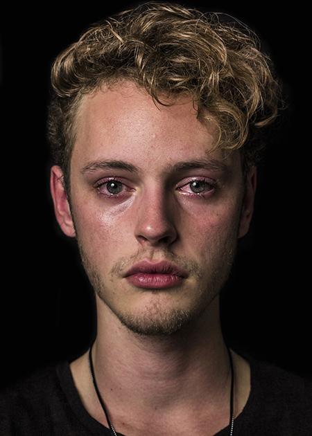 Кевин, 19 лет: «Мир полон печали, боли и радости. Хорошо, что у людей есть возможность выразить эмоц