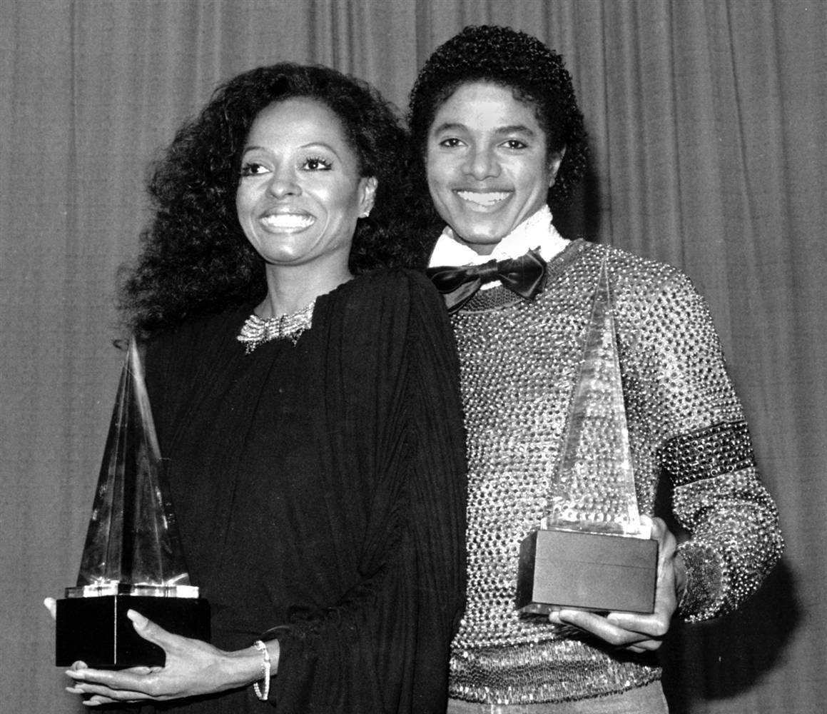Майкл Джексон и Дайана Росс во время церемонии награждения American Music Awards (Американская музык