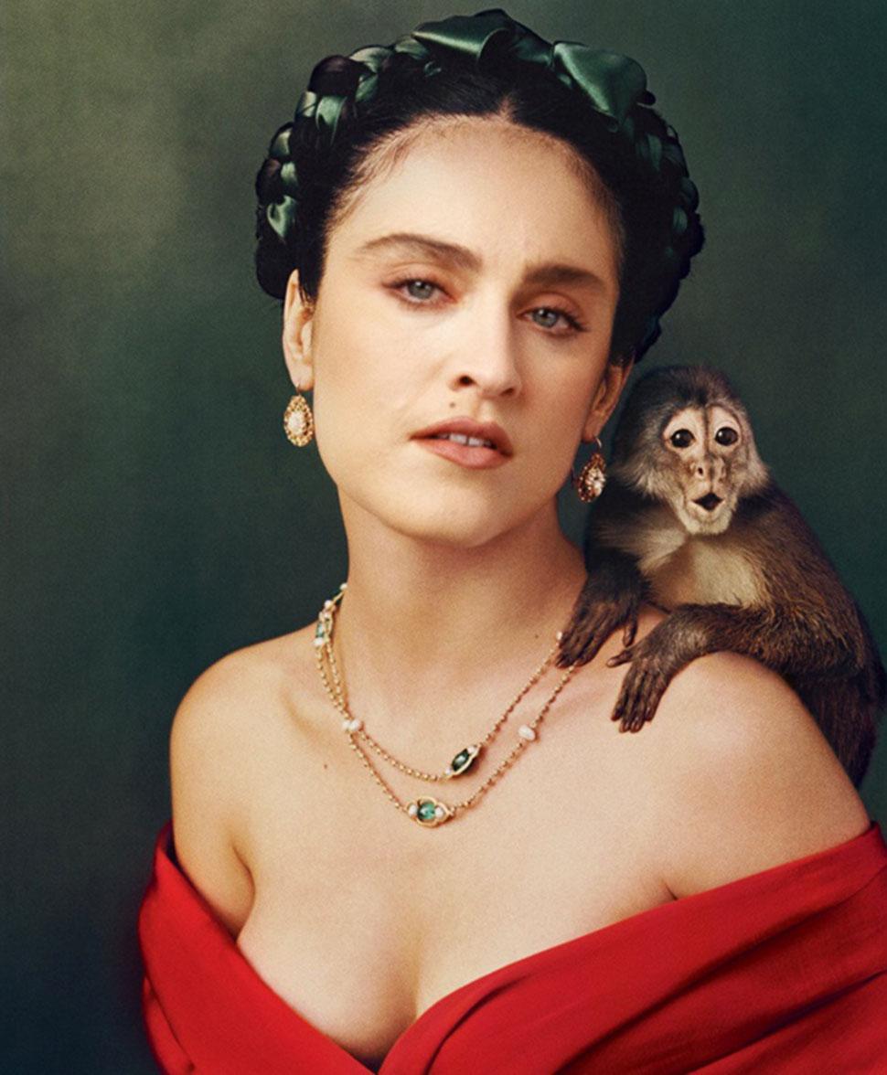 Мадонна в роли Фриды Кало. Мадонна всегда интересовалась искусством Фриды Кало и хотела сыграть роль
