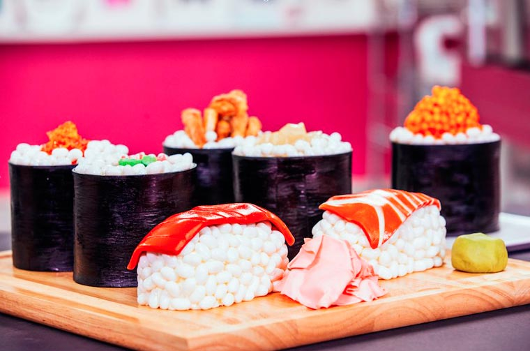 Sushi Cake - How to make an ultra-realistic sushi platter shaped cake