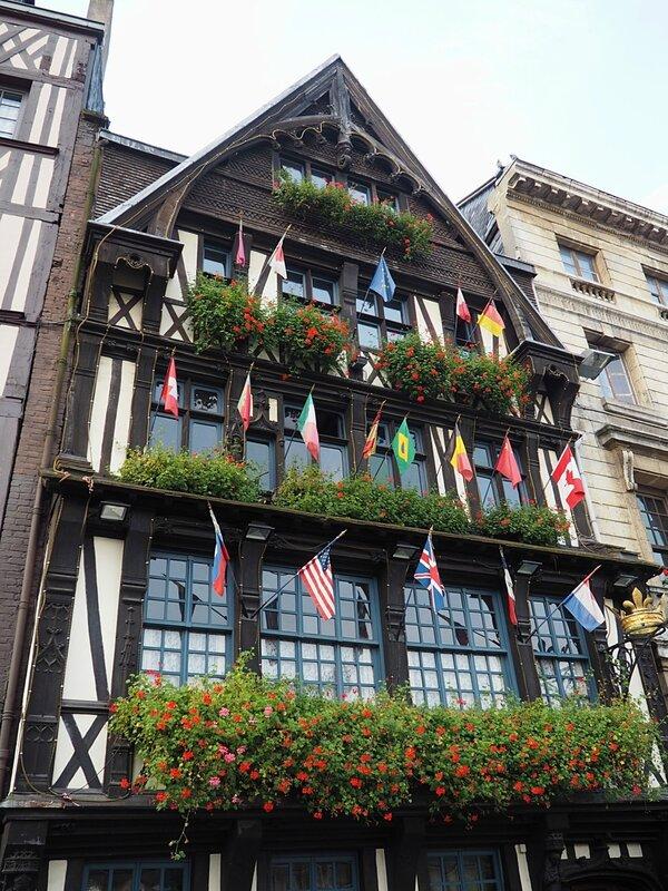 Руан, Франция – Старорыночная площадь (Rouen, France - Old Market Square)