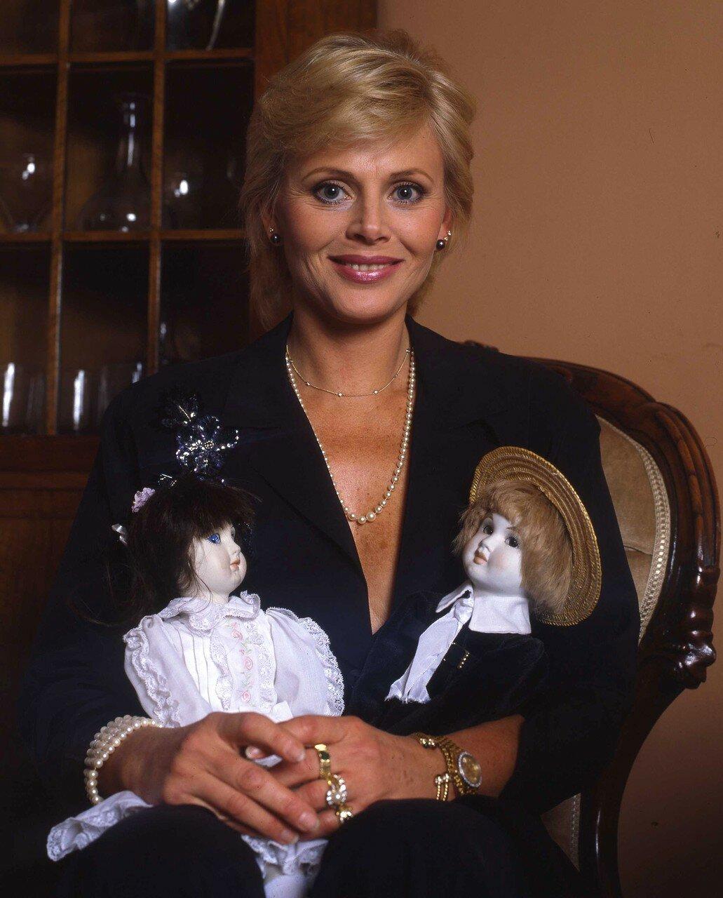 Бритт Экланд (1992)