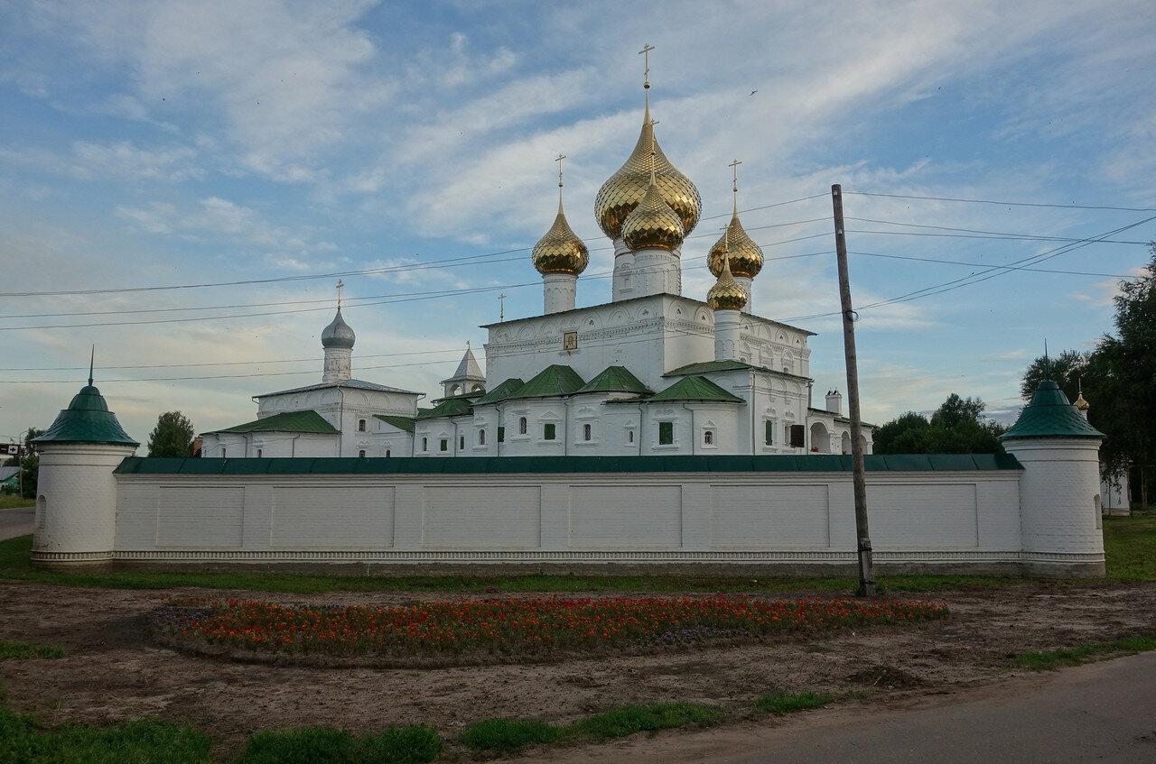 еще монастырь