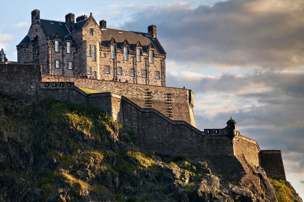 10-Edinburgh-Castle.jpg