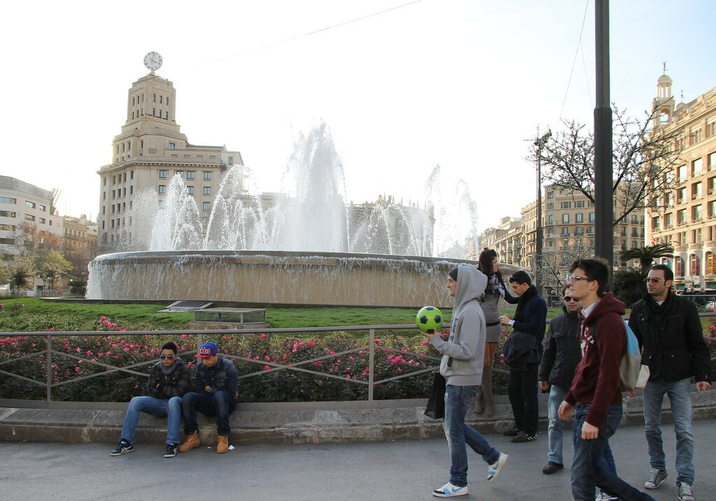 Барселона. Площадь Каталонии (Plaza de Cataluña)