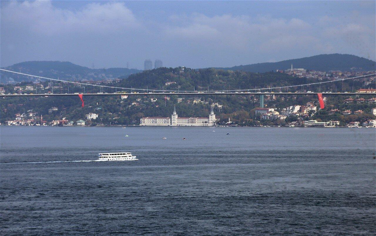 Стамбул. Вид с террасы павильона Абдул-Меджида