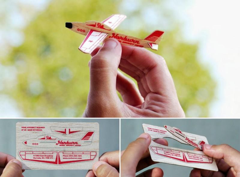 Визитка компании, выпускающей игрушечные самолеты и авиамодели Из этой визитки можно собрать самолет