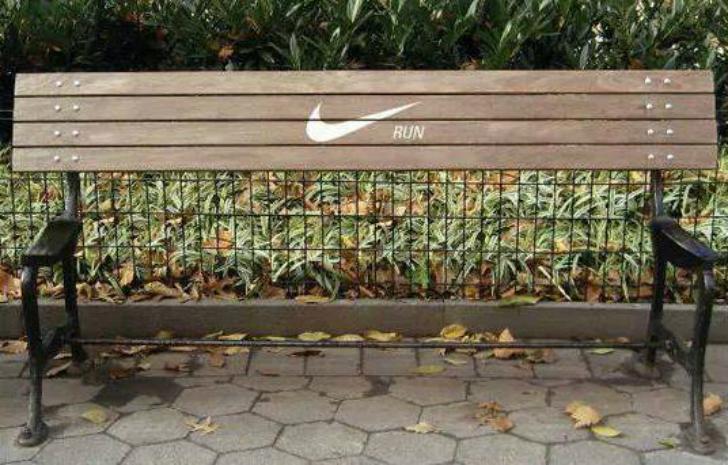 Скамейка без сиденья напоминает, что нужно больше двигаться.