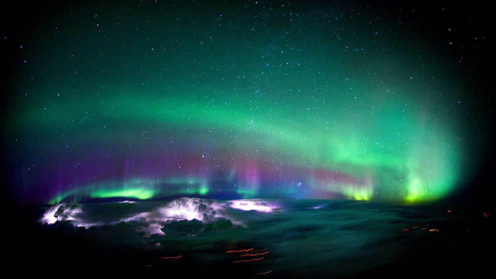 6. Захватывающий вид ночного неба. (Фото Christiaan van Heijst   Daan Krans):