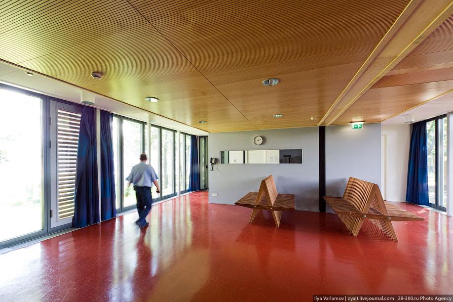 58. Тюрьмы в Нидерландах заполенены на 86% - это один из самых низких в Европе показателей, самый бо