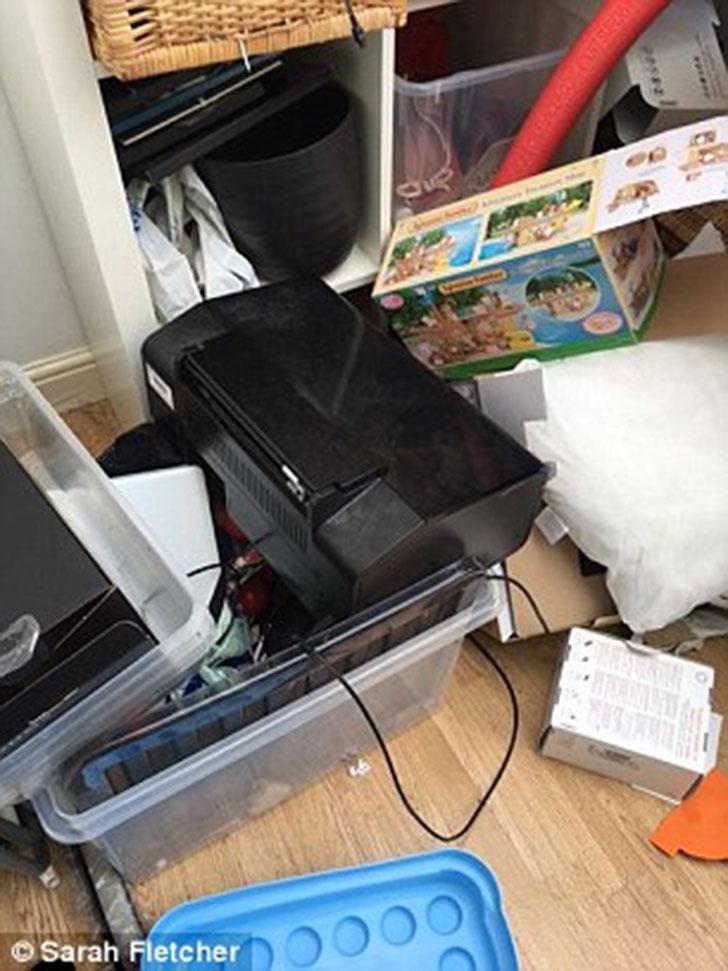 По оценкам Беверли, человек с двумя детьми набирает два-три больших мусорных пакета с вещами для отп