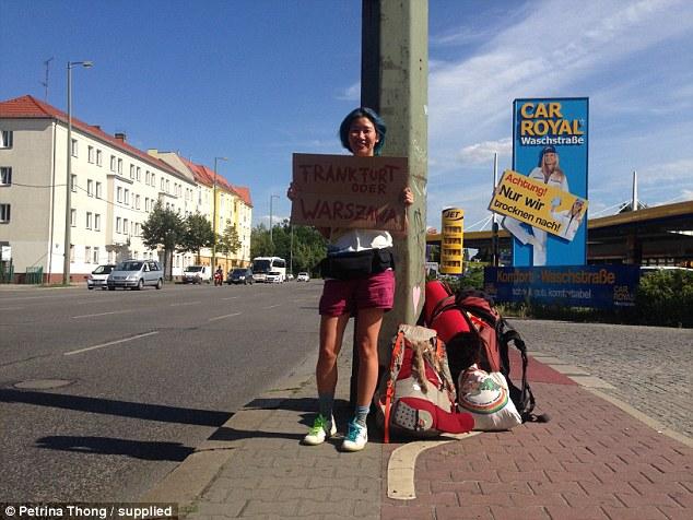 Девушка доехала автостопом из Швеции в Малайзию всего с 200 долларами в кармане (21 фото)