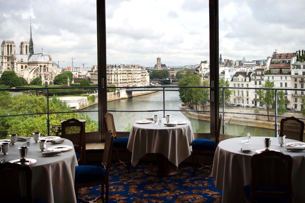 Ресторан The Tour d'Argent в Париже основан в 1582 году.