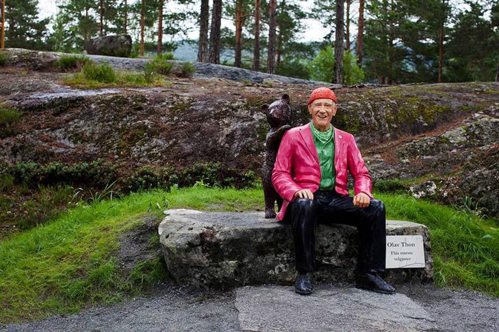 Улав Тун проводит много времени на природе. Недавно он пожертвовал здание Норвежской ассоциации трек