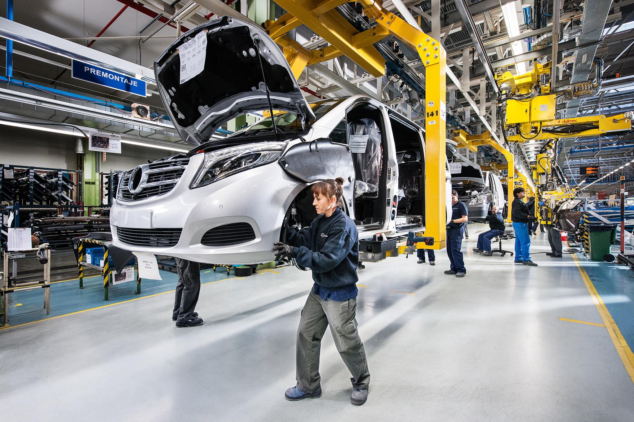 В Российской Федерации упало производство легковых авто