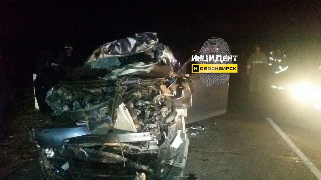 Два человека погибли вДТП сучастием трактора вНовосибирской области