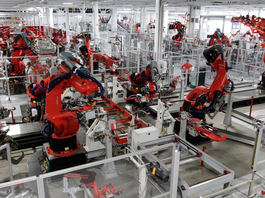 Билл Гейтс: труд роботов необходимо облагать налогами