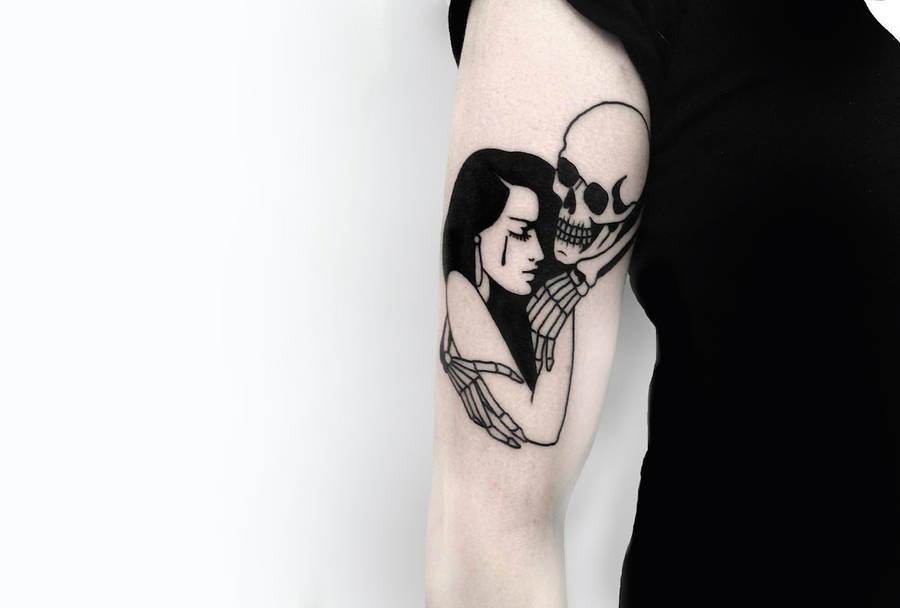 Elegant and Voluptuous Black Tattoos