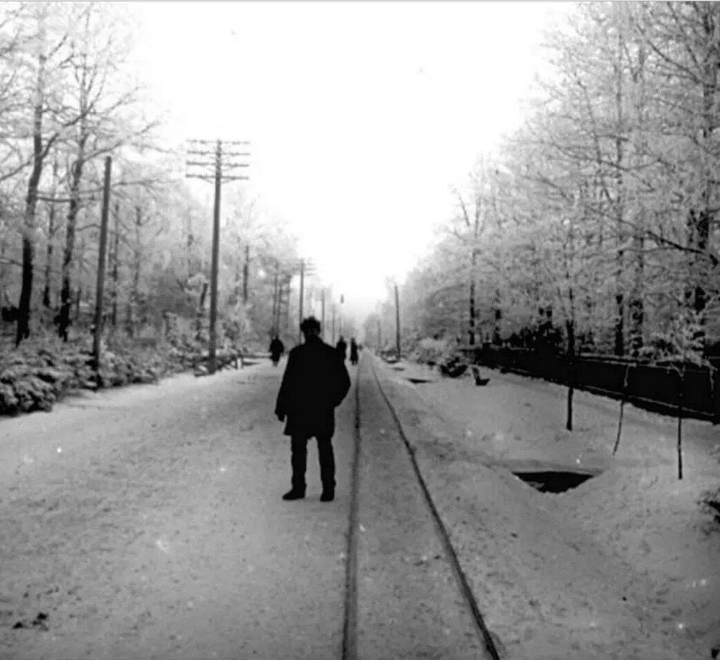 1910.  Рельсы конки в посёлке Новогиреево