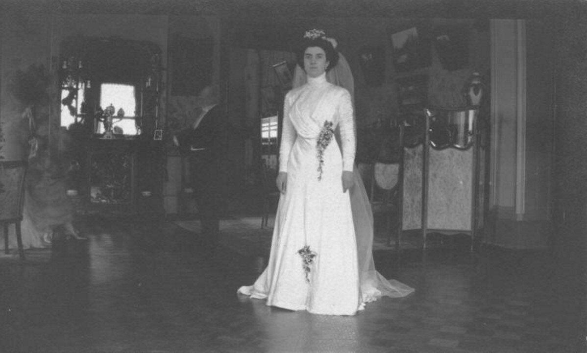1909. Невеста