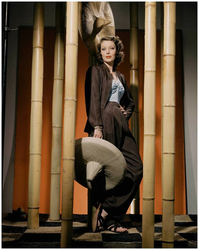 actress-loretta-young-photographed-by-john-rawlings-in-1941-conde-nast-archive.jpg