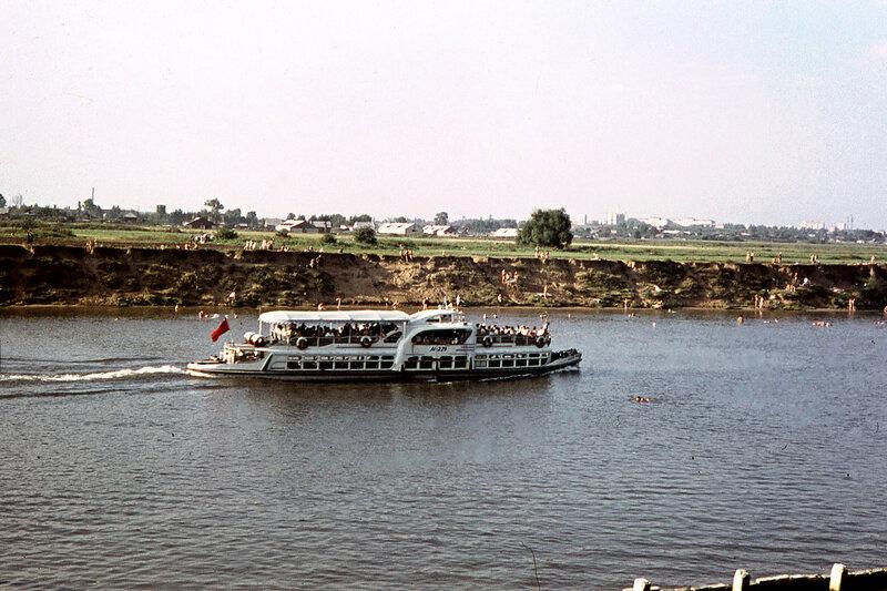 1968 Москва-река, Фили. 1-е сентября 1968 г. Близ пристани Кунцево.jpg