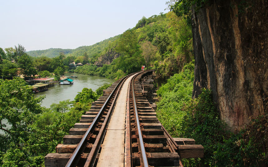 6. Дорога смерти, Таиланд Во время строительства этой 400-километровой дороги между Бангкоком и Мьян