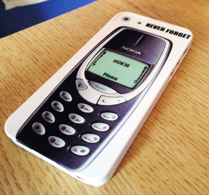 После многих лет затяжных боев и уговоров я наконец-то убедила папу поменять его старую Nokia 3310 н