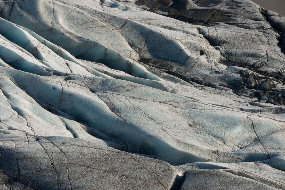 Вся Исландия стоит на гейзерах. Удобно, когда нет нефти или газа. Ледники Исландии находятся оч