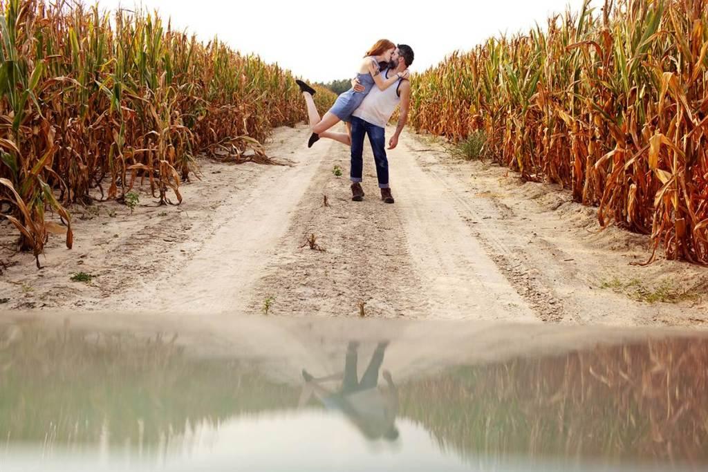 8. Кендрик и Дэвид много путешествовали и везде, где только было можно, делали свою фирменную фотогр