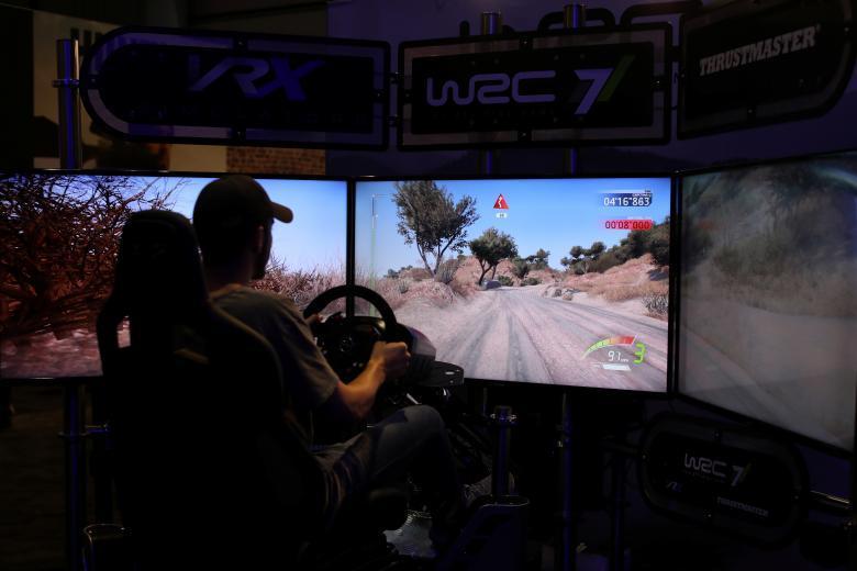 Реклама новой серии компьютерной игры «Call of Duty».