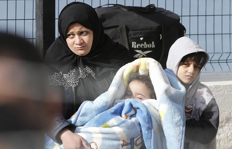 ЕСбудет каждый месяц выделять сирийским беженцам 30евро