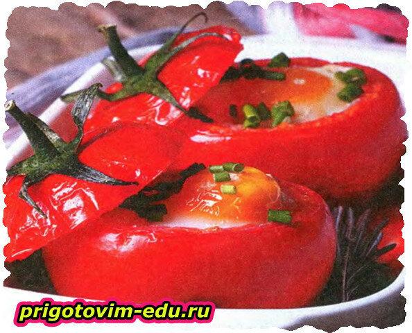 Запеченные помидоры с начинкой из перепелиных яиц
