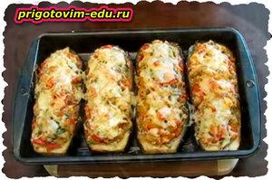 Баклажаны фаршированные рисом с курицей и помидорами