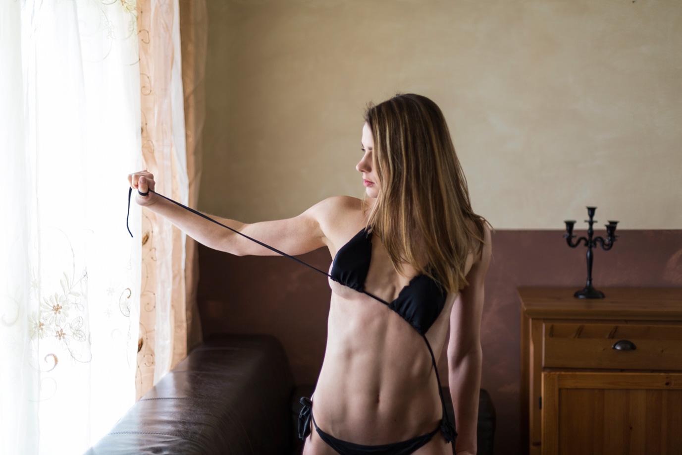 Юлия Николь / Julia Nicole nude by Johan Famel - Lions Magazine