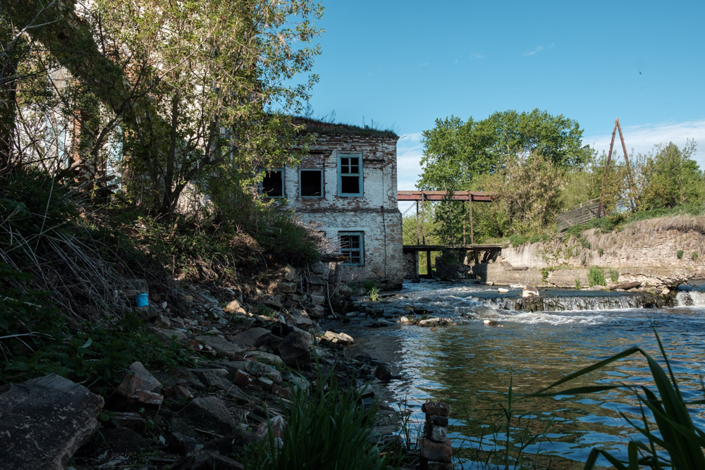 плотина на реке Исеть в селе Камышево