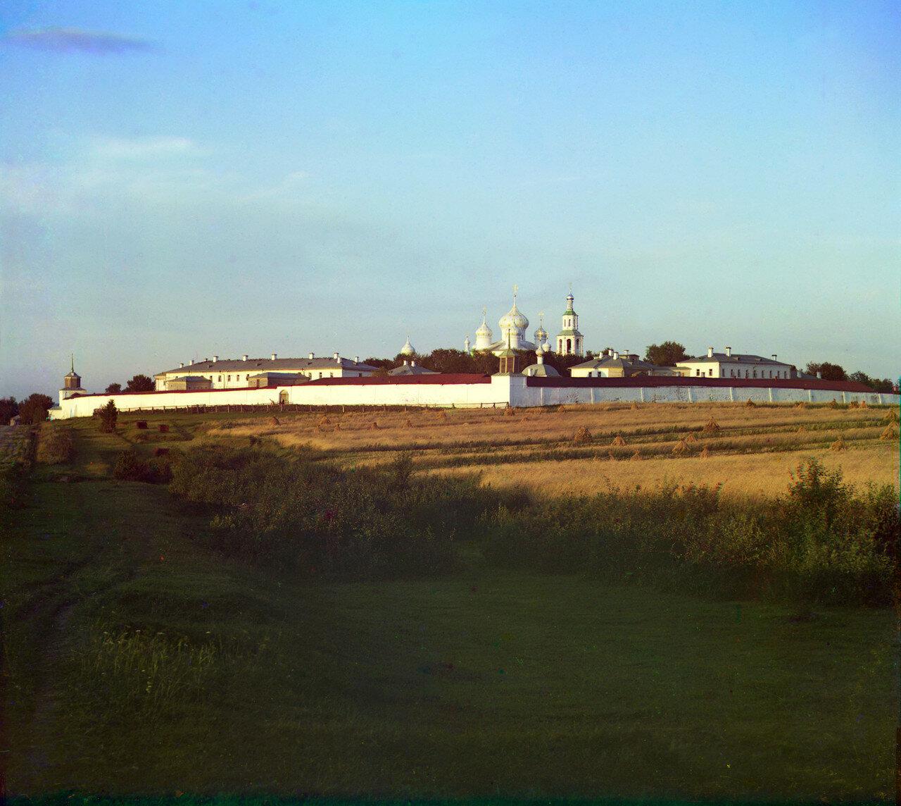 Монастырь Федора Стратилата с запада