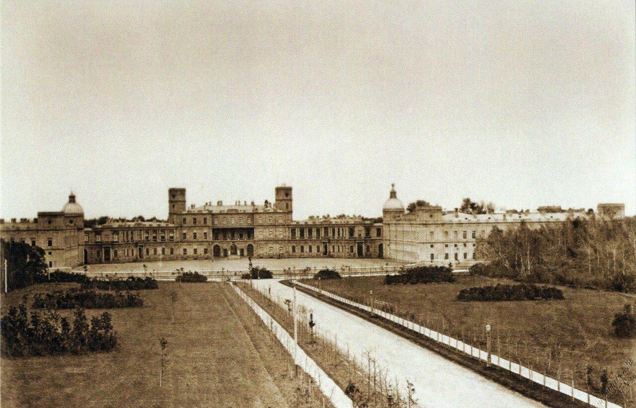 Вид на Гатчинский дворец