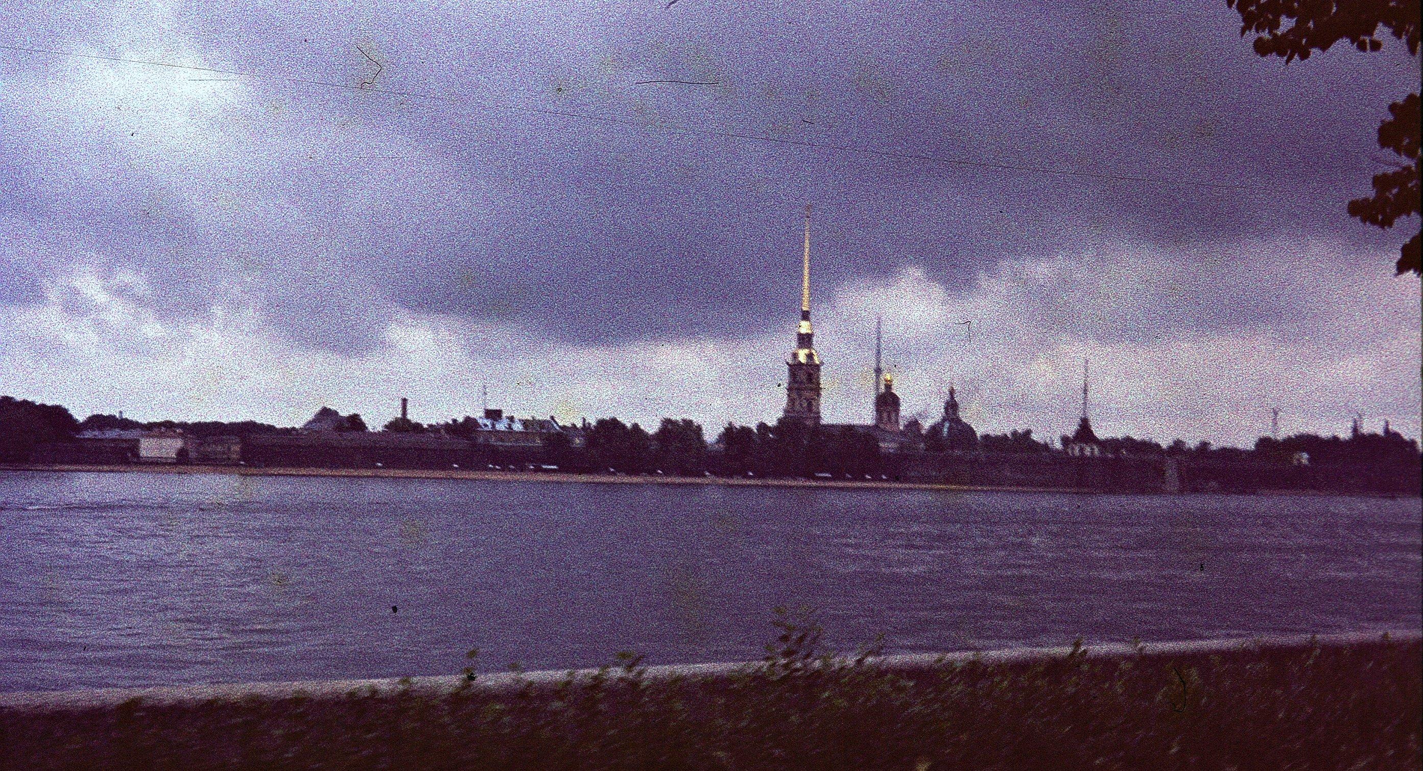 Ленинград. Вид Петропавловской крепости