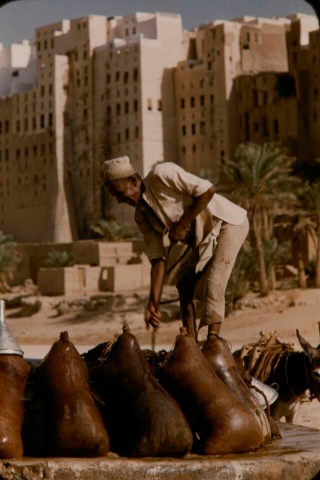 1955-56 Yemen Aden Protectorate - Mukalla by Brian Brake2.jpg
