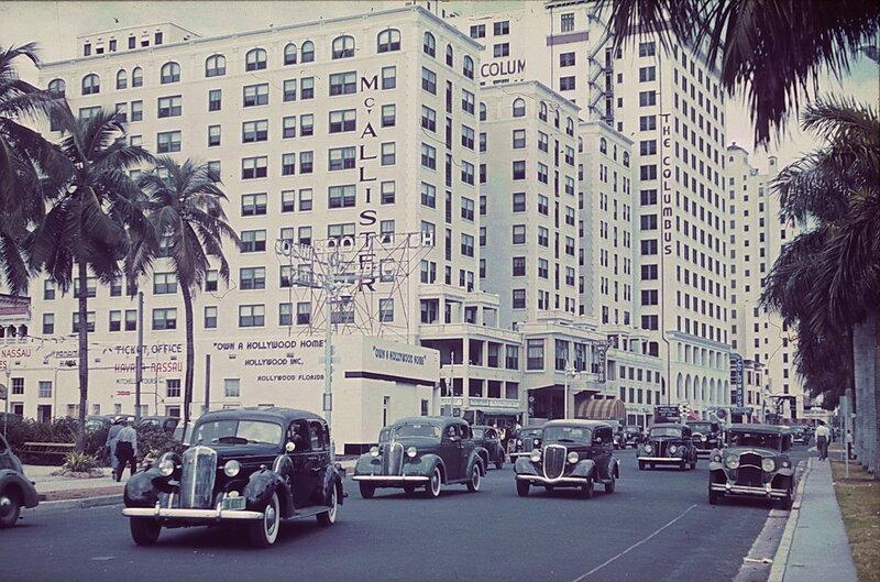 1936-39 Miami, Biscayne Boulevard. McAllister Hotel-16 by Franz Grasser.jpg