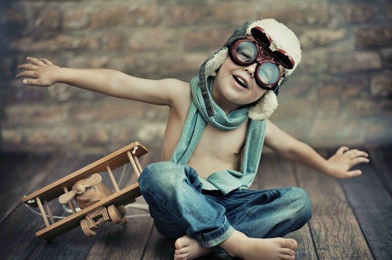 Приятного полёта! 18 идей, как развлечь ребенка в самолете