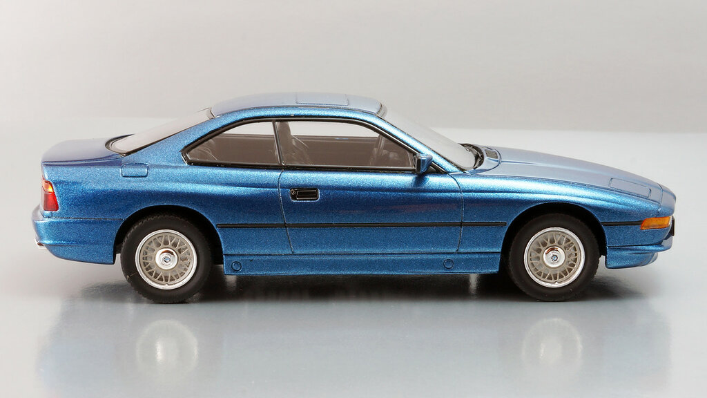 BMW_850Ci_05.jpg