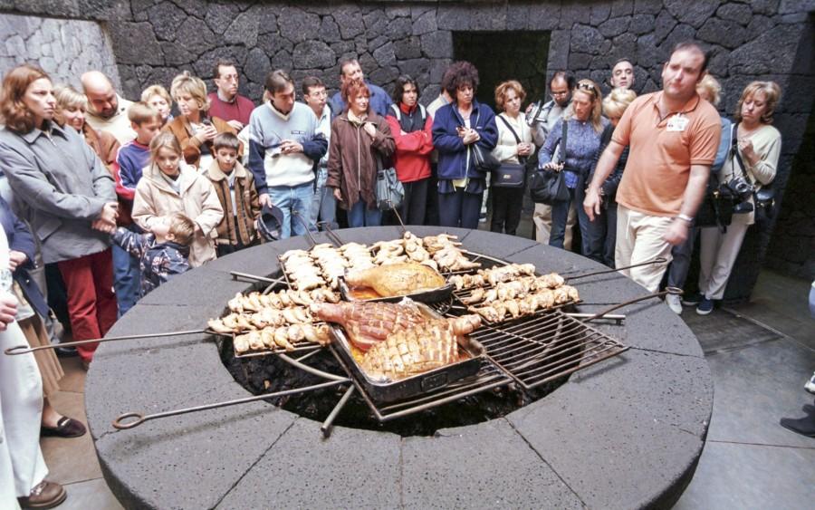 6. Любой желающий может поприсутствовать при приготовлении блюд и при желании заснять происходящее н
